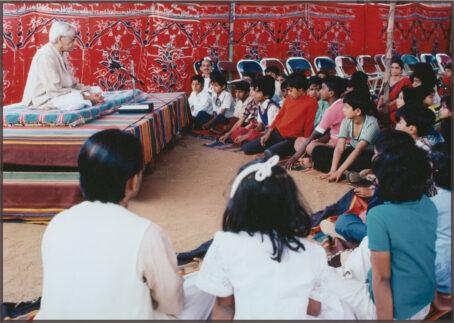 Speaking with children in Bangalore, 1978