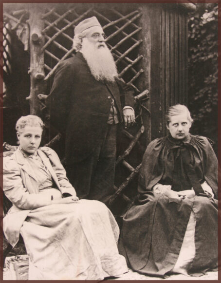 Annie Besant, Olcott and groups of early Theosophists